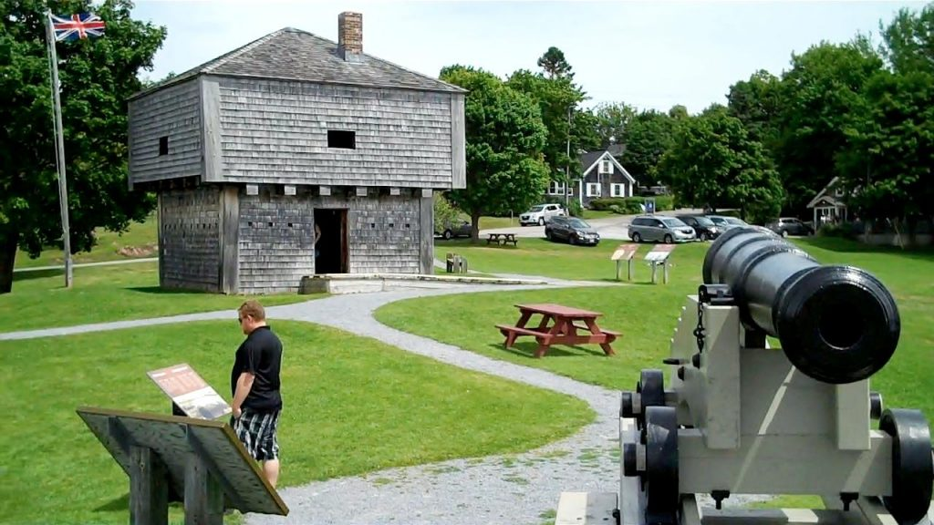 Blockhouse and cannon from 1812 - 2016 scenery in the background.